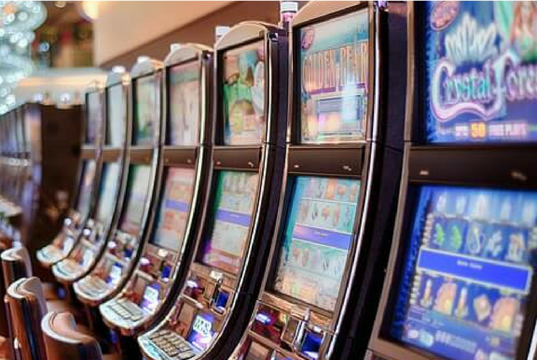 Slot machine strategy: how to improve your odds